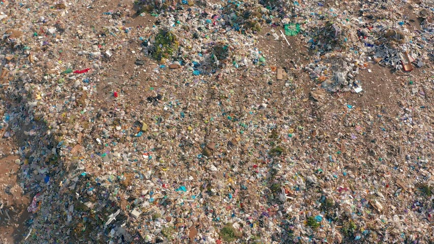 dumping : The huge garbage dump, the ecological disaster of our planet.