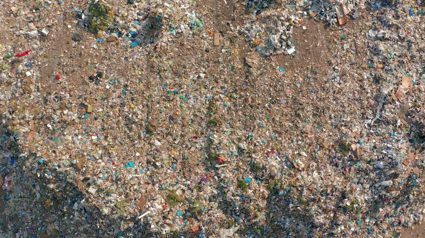 recusar : The huge garbage dump, the ecological disaster of our planet.