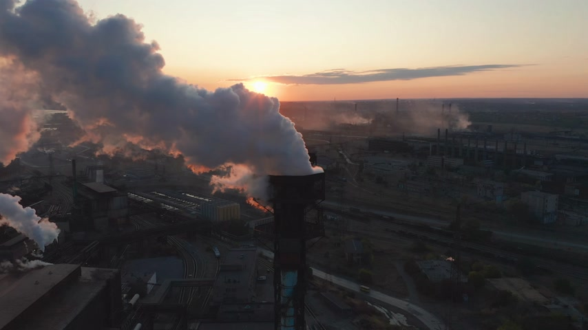 csővezeték : Aerial view. High chimney pipe with grey smoke. Concept of environmental pollution, climate change. Stock mozgókép