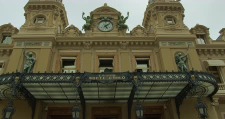 zegar : Monte-Carlo, Monaco - October 15, 2019: Grand Casino in Monte Carlo, Monaco. historical building. Front view with entrance.