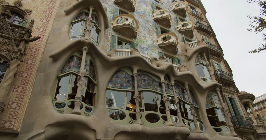 Barcelona, Spain - October 15, 2019: Casa Batllo made by Antoni Gaudi in 1877. Stok Video