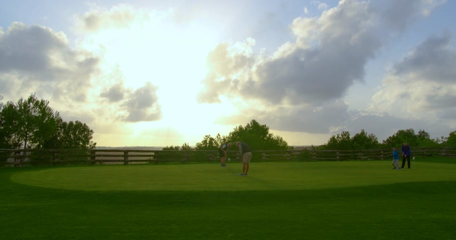 t şeklinde : FEBRUARY 15th, 2020 - TENERIFE, CANARY ISLANDS, SPAIN: Many people practice on the golf course. Timelapse.