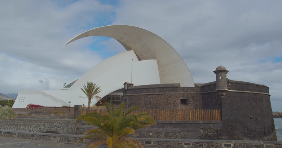 FEBRUARY 25th, 2020 - TENERIFE, SPAIN: Time lapse. Auditorio de Tenerife in city Santa-cruz de Tenerife. Stok Video