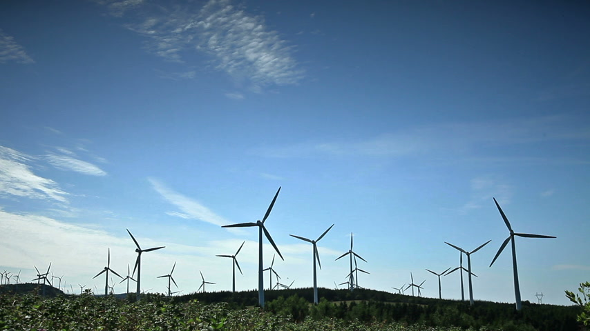 sustentável : Cinemagraph Motion-Photo Effect of Wind Turbines in a Field not Rotating