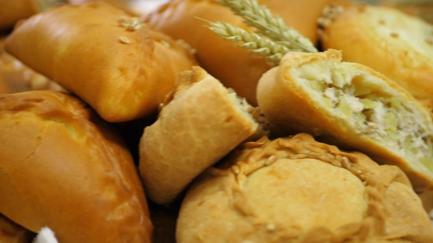 celý : Breads and Baked Goods Large Assortment Fresh Baked and Crispy Close Up
