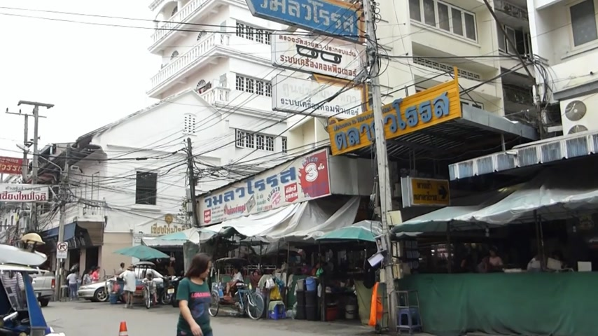 busiest : A street at Kad Luang market, the biggest in Chiang Mai, Thailand(CM--5a) Stock Footage