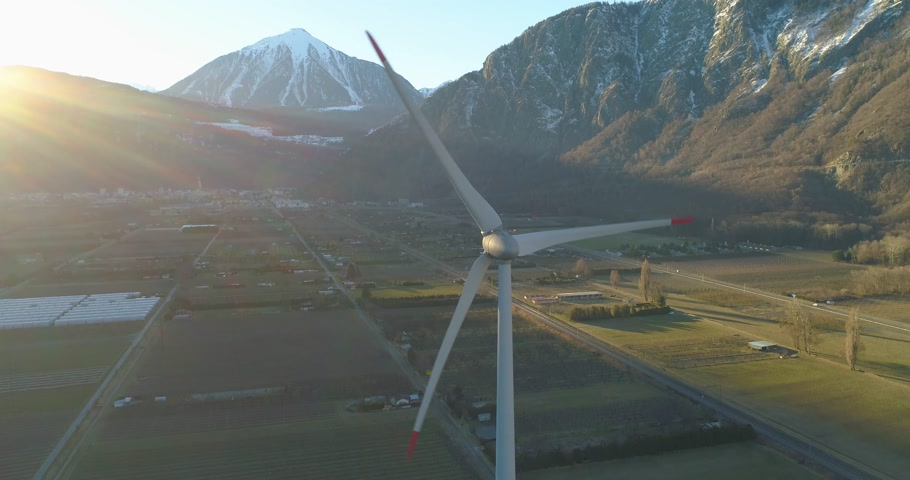 légi felvétel : wind turbine in a montain valley