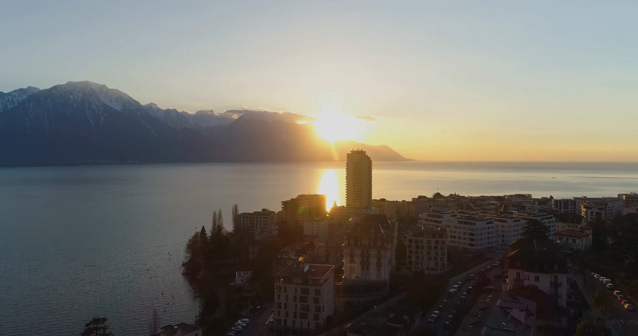 suisse : Montreux sunset scenery