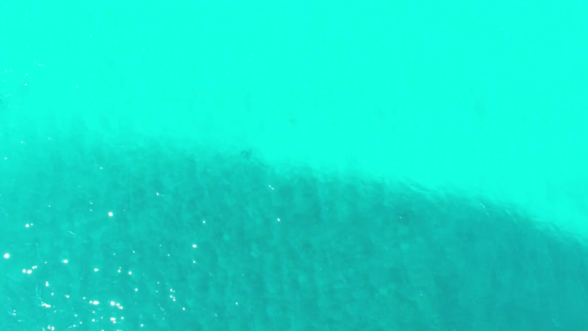 dél amerika : Aerial footage of Miami South Beach. Flying over the sea. Stock mozgókép