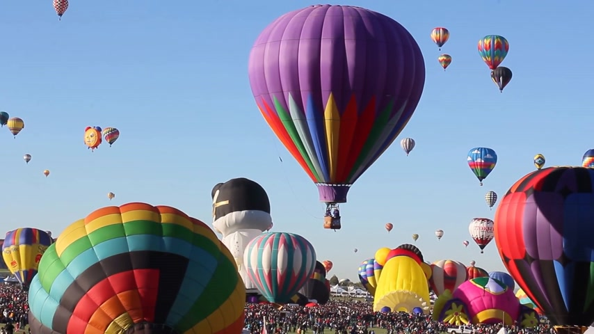 new mexico : Albuquerque, NM - October 5, 2013 -Hot air baloons at the annual Albuquerque Balloon Fiesta. Stock Footage