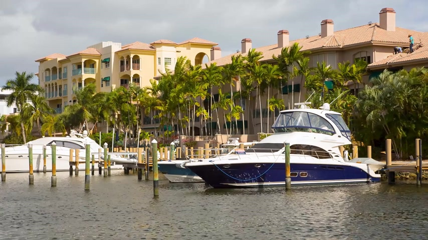 набережная : Yacht and luxurious waterfront home at Fort Lauderdale, Florida