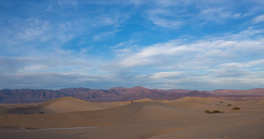 сухой : Sunset timelapse at Mesquite dunes in Death Valley, California, USA Стоковые видеозаписи