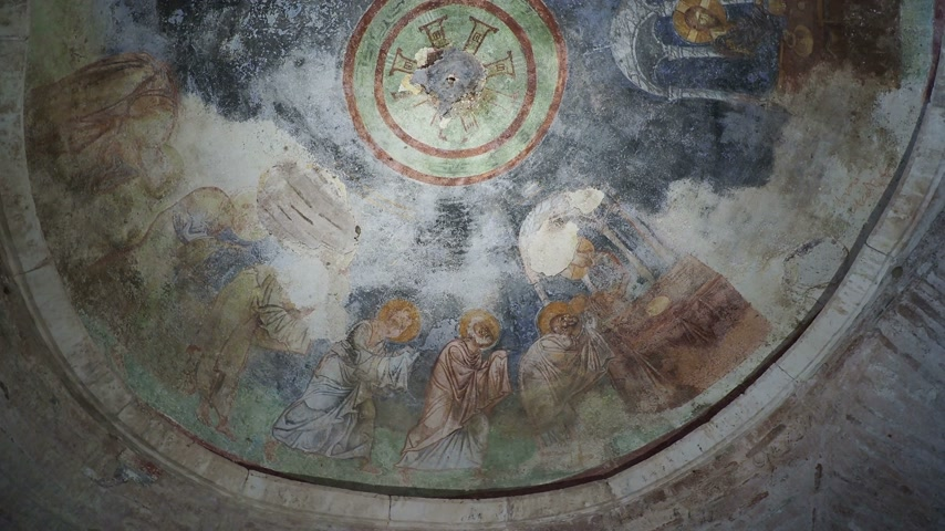 oltář : Fresco on the dome of the altar, scene of the communion. Jesus Christ gives his apostles bread and wine. Saint Nicholas church in Demre, Turkey. Dostupné videozáznamy