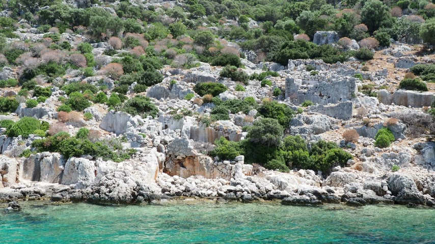 ostatky : Ruins of Sunken city on Kekova, small Turkish island near Demre. Antalya province, Turkey.