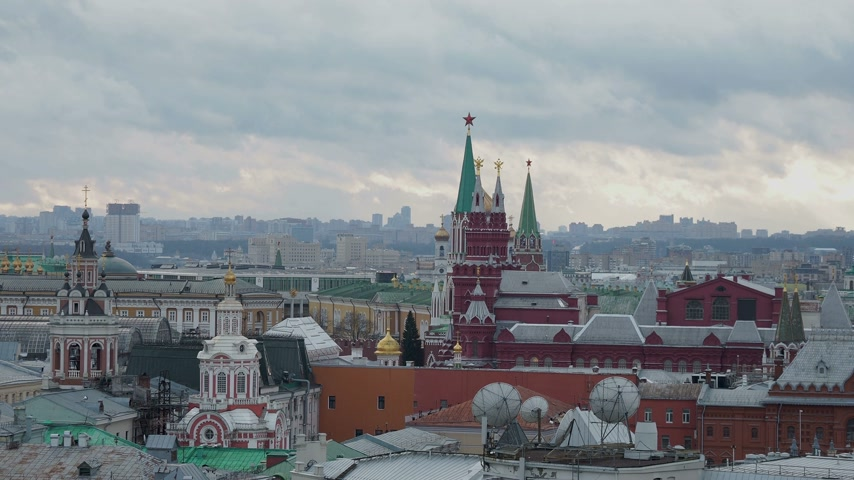 основной : Aerial view on historic center of Moscow from Central Children Store. View on Zaikonospassky monastery, Main Department store, other landmarks. Moscow, Russia.