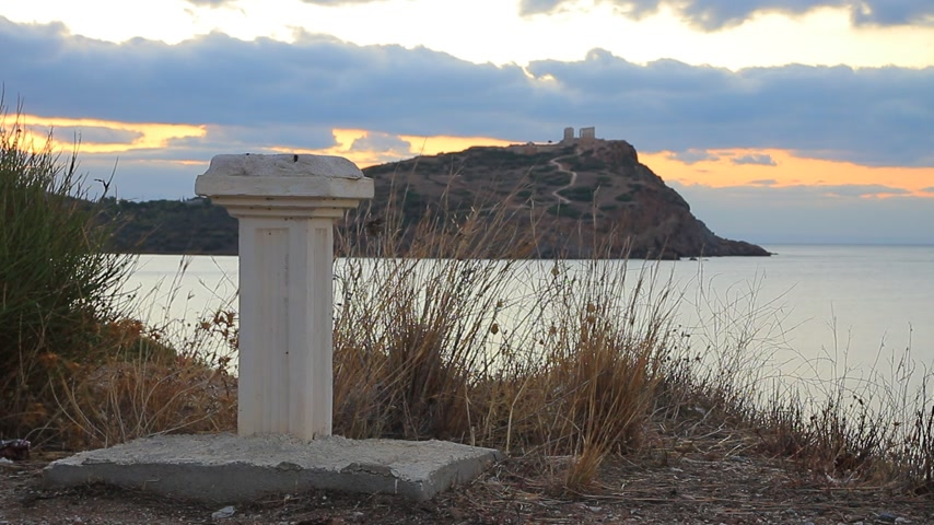 poseidone : Greek column and Poseidon temple, Cape Sounio