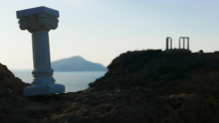 řek : Greek column and Poseidon temple, Cape Sounio