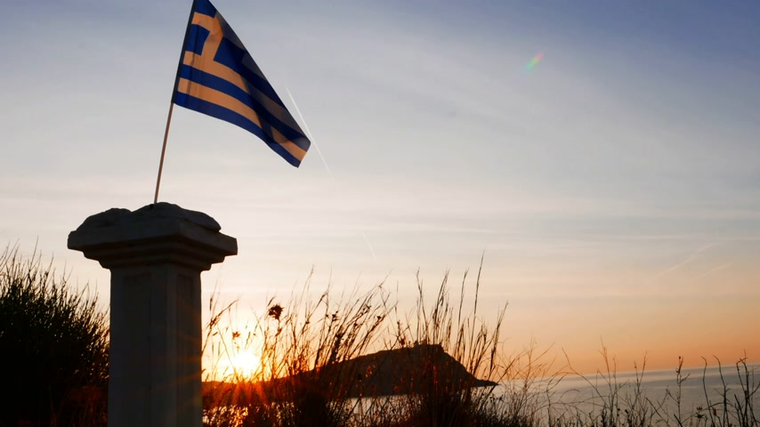 greek flag : Greek column and flag on Cape Sounio