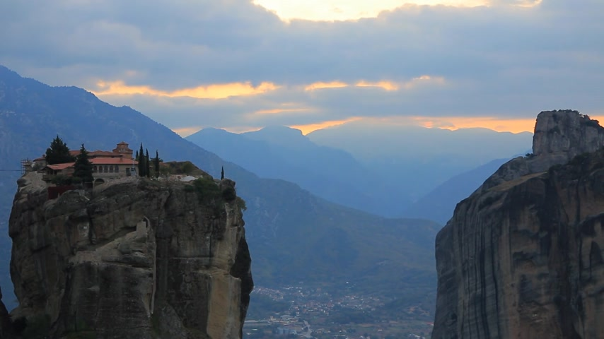 convento : Sunset over Trinity monastery in Meteora, Greece