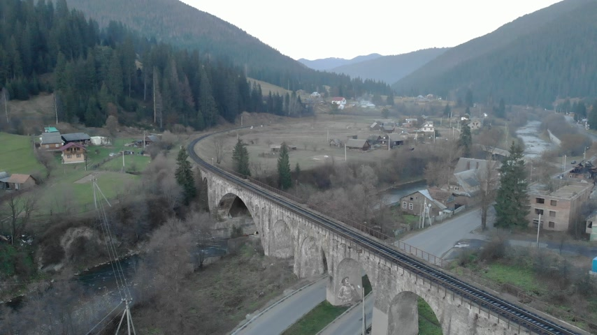 demiryolu : Aerial railway bridge across the river Carpathians Ukraine