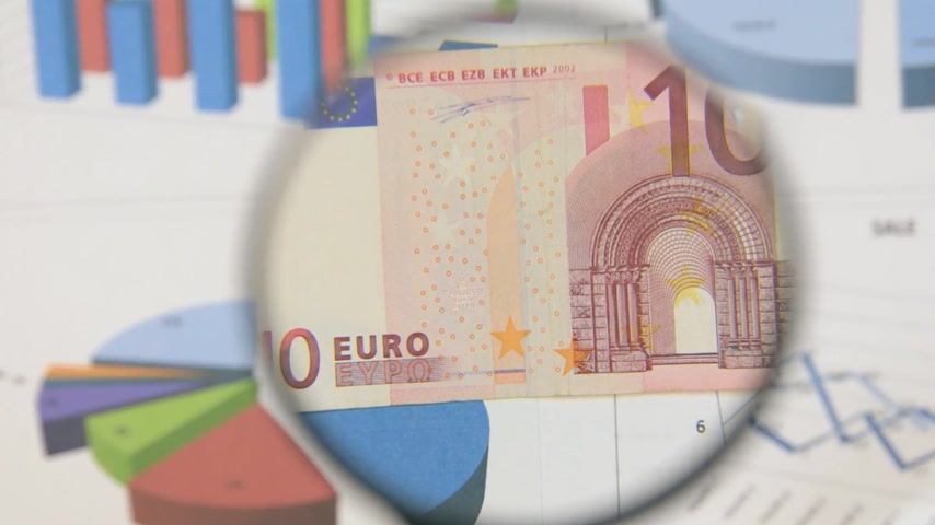 fabricated : Study of a banknote ten euro, increasing with the help of a magnifying glass. Stock Footage