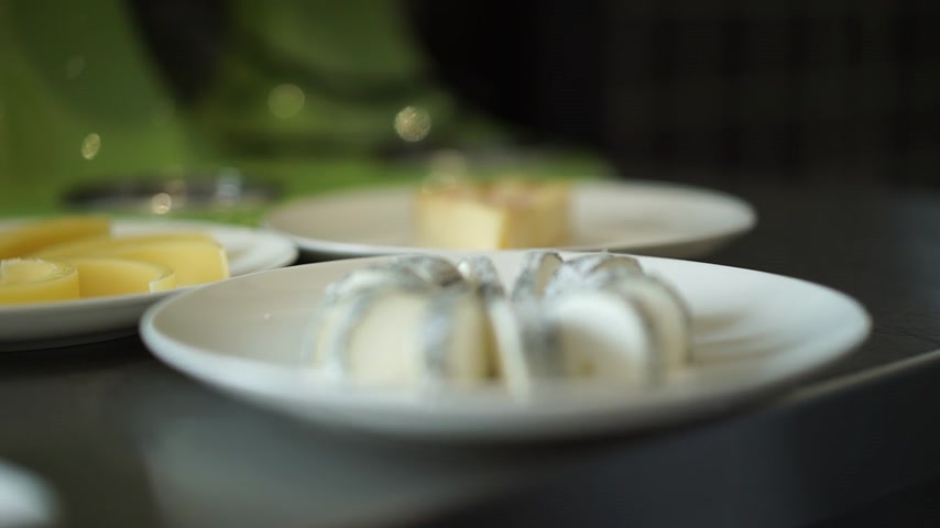 emmental : cheese variety of sliced beautifully Stock Footage
