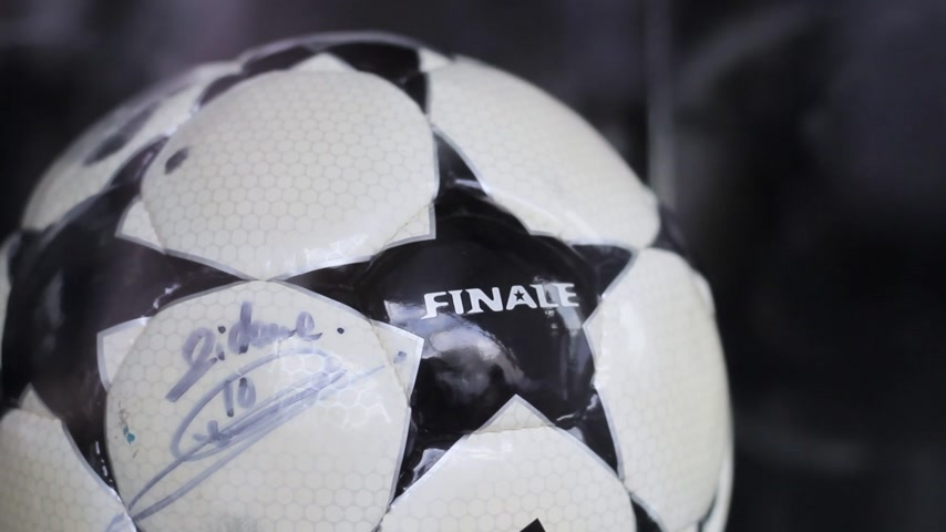 final round : The ball of the final match of the Champions League with the signature