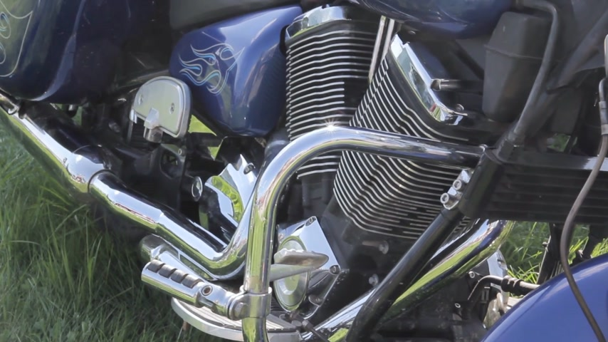 dvojčata : close up of motorcycle engine design details