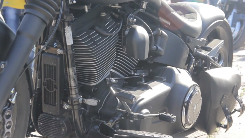 dvojčata : Close up view of a motorcycle engine. exhaust pipe. Dostupné videozáznamy