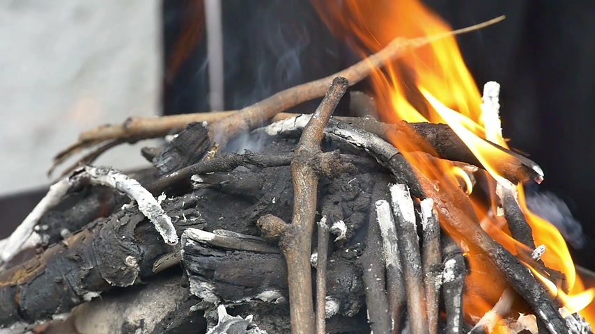 saibling : Barbecue-Feuer
