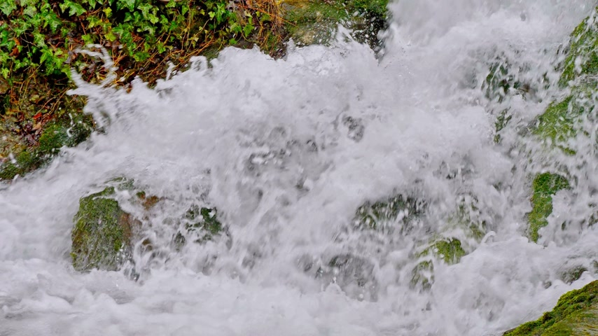 závoj : waterfall river in mountain slow motion 60fps to 30fps 4k