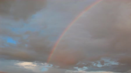 niebo : rainbow in the sky, timelapse