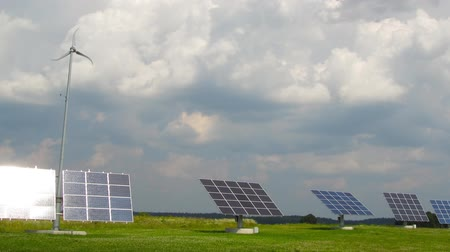 energy generation : solar panels, time-lapse Stock Footage