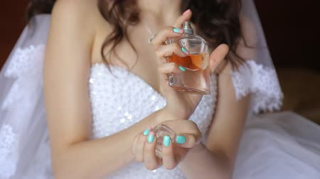 perfume bottle : The bride and perfume