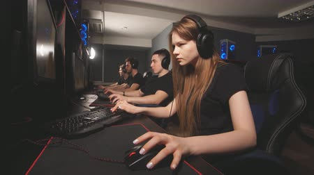 vagabundo : Professional Gamers participating in online cyber games tournament.