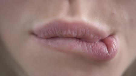 camsı : Extreme Close Up of Womans Sexy Lips with Botox