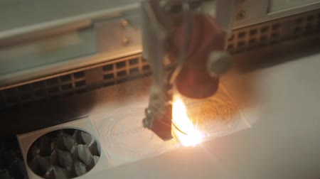 grawerowanie : Laser cutting in printing. High precision CNC laser cutting metal sheet