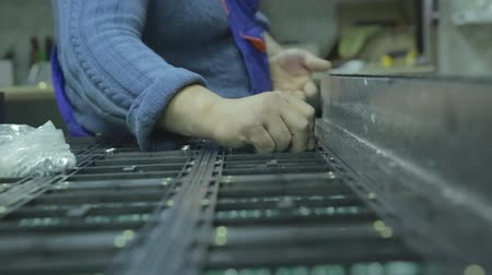 конденсатор : LED screen. In the workshop collecting chips for the LED screens