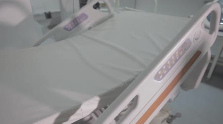 reanimation : Functional Beds and Medical Devices in Modern Intensive Care Unit Stock Footage