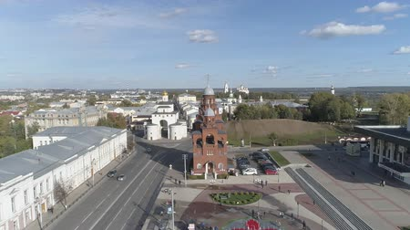 Top view of the Golden Gate of Vladimir Aerial video shooting over the Theater Square. Dostupné videozáznamy