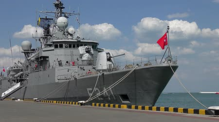 çimenli yol : Turkish military ship at the pier in the port of Odessa. Stok Video