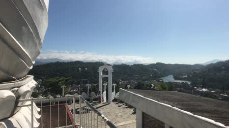 seylan : Kandy, Sri Lanka, view of the bell from the roof 4K
