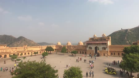 geliştirmek : Jaipur, India, November 05, 2019, Amer Fort, view from above the square of the old fortress 4K