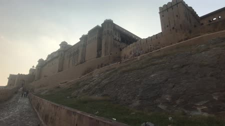 amer fort : Jaipur, India, November 05, 2019, Amer Fort, stylish wall structure from the past 4K Stock Footage