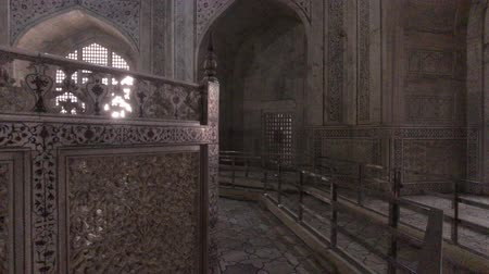 aula magna : Agra, India, 10 novembre 2019, Taj Mahal, Hall all'interno del tempio 4K