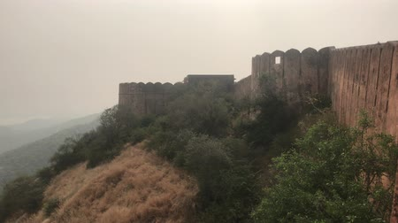 âmbar : Jaipur, India - view of the well-preserved walls and buildings of the old fort part 6 4K