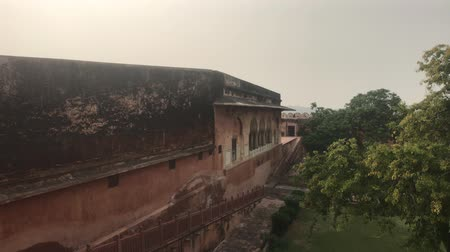 varoşlarda : Jaipur, India - View of the fortress from afar part 9 4K Stok Video