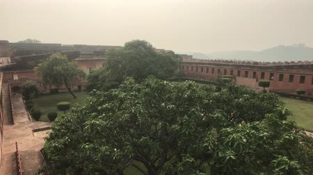 slum : Jaipur, India - large green yard inside the fortress part 4 4K