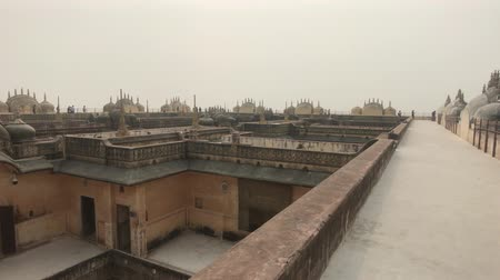 hinduizmus : Jaipur, India - Empty roofs of old buildings part 6 4K