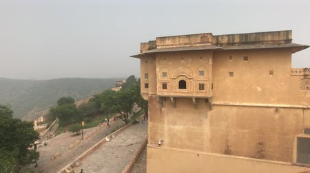 geliştirmek : Jaipur, India - defensive structures on a high mountain part 3 4K